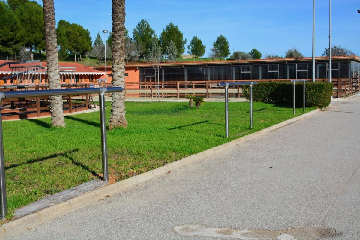 centro equestre con buenas instalaciones en venta