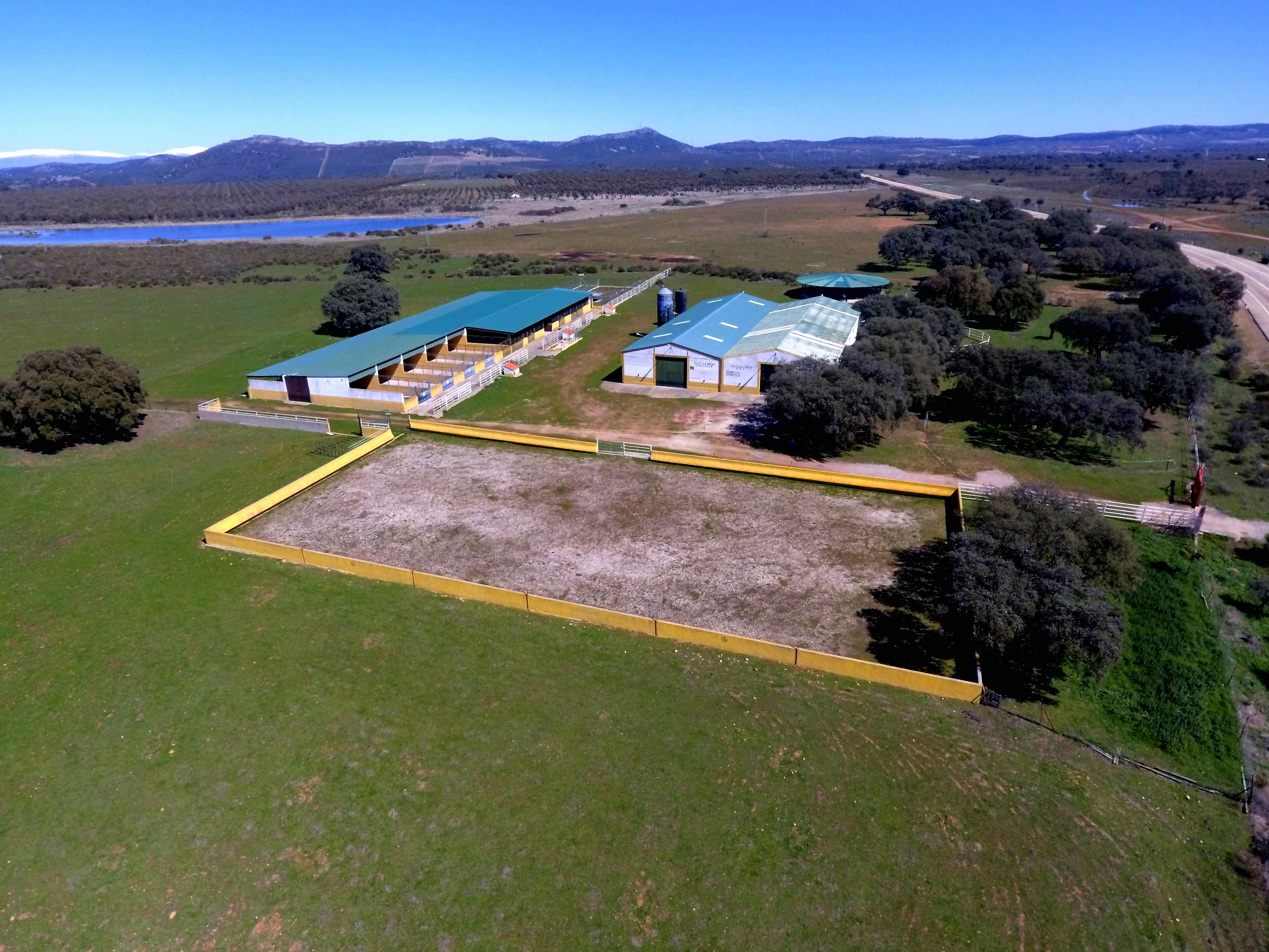 Fully Equipped Horse Farm 24 Ha Caceres Iberianlands Properties For Sale In Spain And Portugal
